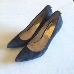 Michael Kors Navy blue suede high heel minimalist pump shoe, gold logo size 6.5M